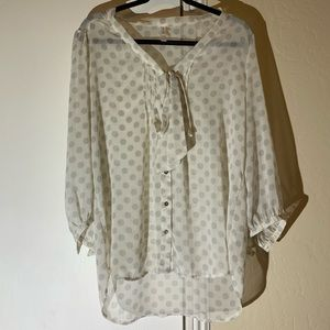🎀Xhilaration Polka Dot/Bow Toe Button Down Blouse